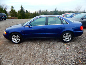 2001 Audi A4 Quattro Luxury Sedan Mint Low miles No Rust! London Ontario image 4