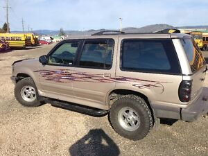 1997 Ford Explorer XL SUV, 4X4