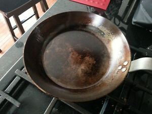 Looking for old frying pans and cast iron pans and skillets