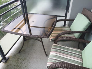 Wicker Patio Set (1 Table + 2 Chairs)