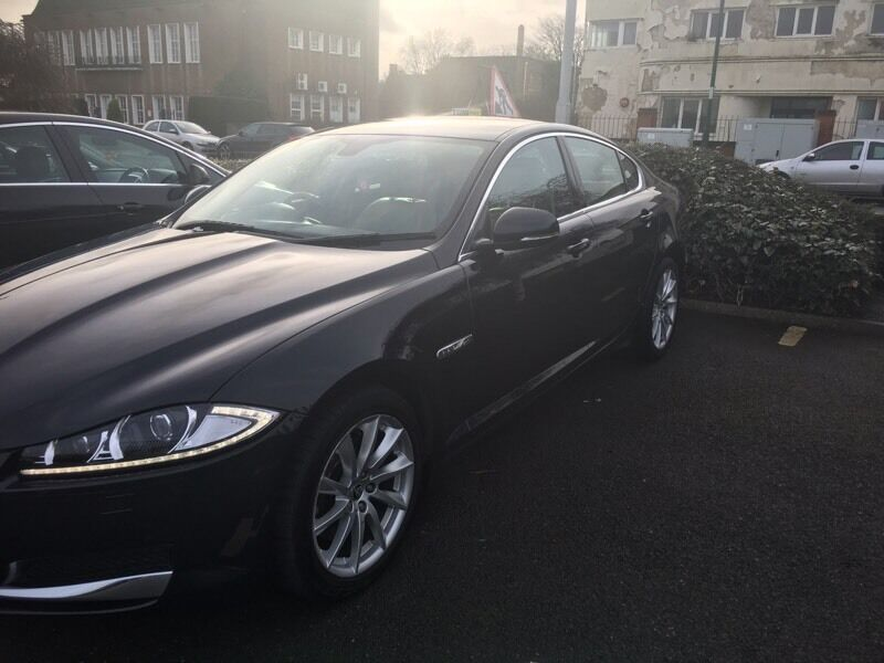 Jaguar 2.2 diesel Luxury. 2011 plate.