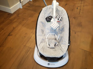 Bouncer Seat - 4moms bounceRoo - Silver - Great condition!