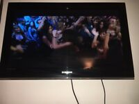 32 inch Samsung TV le32b530p7w 1080p