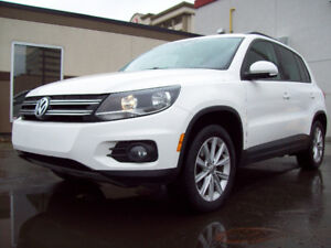 2012 VW TIGUAN HIGHLINE 2.0 TSI with LEATHER & PANO-ROOF!
