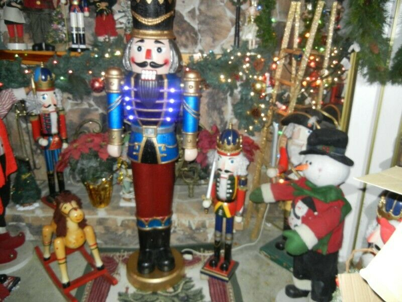"LIFE SIZE * NUTCRACKER * 5 FOOT 9"" COLOR CHANGING LIGHTS MUSICAL CHRISTMAS RARE"