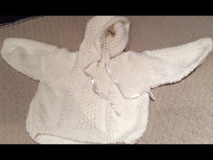 Adorable knitted baby sweater size 6-12mths