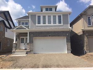 EXECUTIVE, BRAND NEW HOMES IN WATERLOO