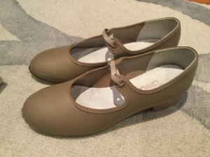 Girls Tap Shoes Size 2 Excellent Condition