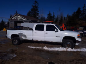 2001 chev 3500 4x4  parting out or sale as whole