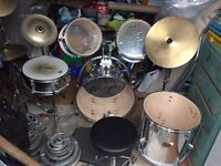 Stagg 5 piece drum kit with 2 symbols £175
