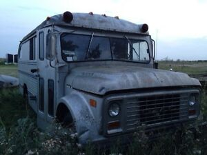 Camper Bus trailer bus with sink stove fridge