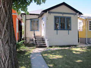 Cute, Bright 2-Bedroom Home in Broders Annex