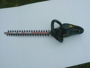 """hedge trimmer 18"""" Electric   $ 40.00 OBO"""