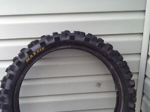 MAXXIS 19 Inch Rear Tire 50%Tread