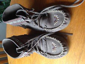 Laurentian Chief Canadian Moccasins