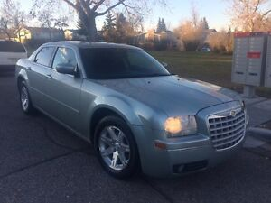 2005 Chrysler 300 w/only 108,000kms
