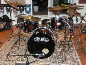 Mapex Orion 10-12-14-16-22, snare 14.