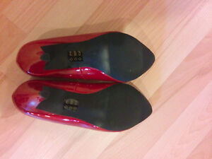 Burgundy red pumps, heels from Nine&Co, worn only once! Kitchener / Waterloo Kitchener Area image 4