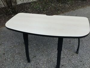 Mobile Table 26x52