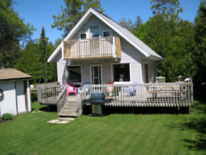SAUBLE BEACH COTTAGE AVAILABLE,  ONE WEEK LEFT