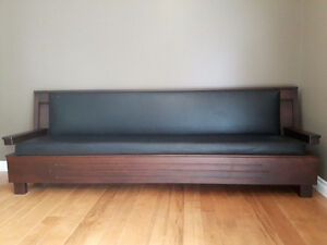 REDUCED!  Wooden couch. Kitchener / Waterloo Kitchener Area image 1