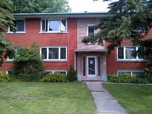 Lovely 2 Bdrm - Quiet Mature Building - Great Locale Kitchener / Waterloo Kitchener Area image 1