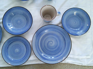 Set of Four - 4 Piece - Blue Spiral Dinnerware