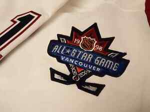 "Mark Messier 1997-98 Vancouver Canucks ""All-Star Patch"" CCM Size Edmonton Edmonton Area image 3"