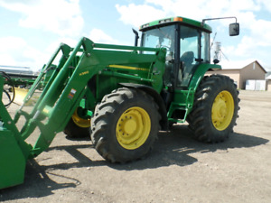 7810 John Deere tractor with Loader