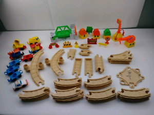Fisher Price vintage 1992 Flip Track train 68 pieces