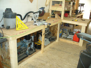 CUSTOM BENCHES & SHELFS