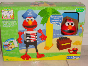 ELMO'S TREASURE CHEST BUILDING SET