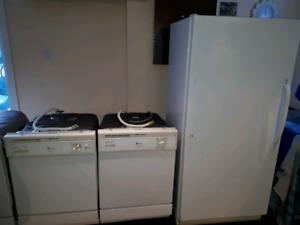 4 lave vaisselle 1 grand frigo