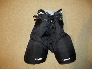 Hockey pants neck guard OBO