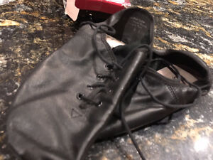 JAZZ/DANCE SHOES hardly worn