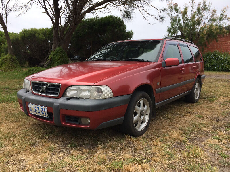 sold gumtree v70 xc manual 2k radar oz volvo. Black Bedroom Furniture Sets. Home Design Ideas