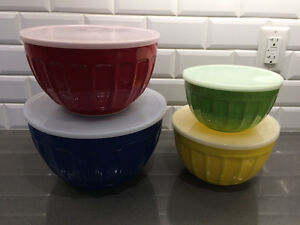 Melamine 4 piece bowls set with lids