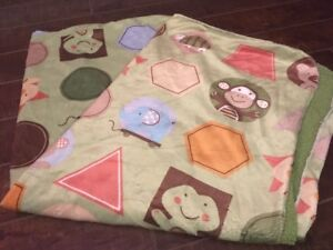 """Supersoft Green Baby Blanket - 30"""" x 38"""" - Great condition!"""