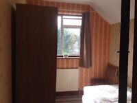 Large box room and double room rent Heston Tw5