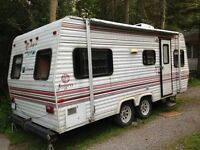 sleeps 5 Jayco trailer.self-contained excellent condition.