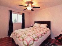 Spacious bedroom on 2nd floor by day/week/month-newmarket/aurora