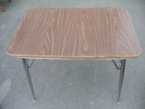 """Dining Room Table with Chrome Legs (36"""" x 24"""")"""