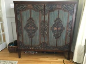 ARMOIRE STYLE  INDONESIENNE SCULPTEE