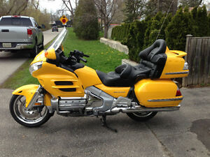 2010 Pearl Yellow Goldwing