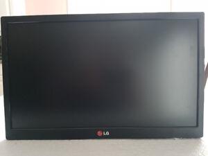 "LG 19EN33T-B - LED monitor - 18.5"""