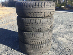 Four Michelin X-Ice 195/60R15 Winter Tires