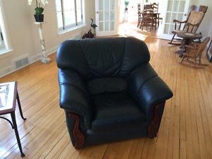 Black leather sofa, love seat and armchair