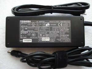* Toshiba AC Adapter PA3201U-1ACA (European/Asian style plug)