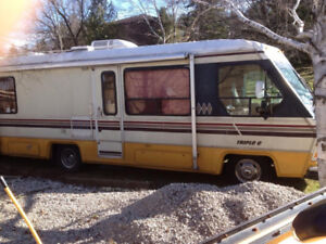 1988 - TRIPLE E  MOTORHOME - Make me an offer and pick it up