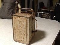 Vintage valour petrol can